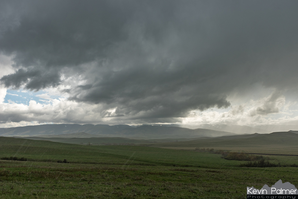 I stopped at the MT/WY stateline and watched this thunderstorm roll off of the Bighorn Mountains. Since there was no wind, I was able to keep shooting a time lapse without getting raindrops on the lens.