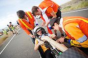 De VeloX4 met Rik Houwers bij de start voor de kwalificaties. Het Human Power Team Delft en Amsterdam (HPT), dat bestaat uit studenten van de TU Delft en de VU Amsterdam, is in Amerika om te proberen het record snelfietsen te verbreken. Momenteel zijn zij recordhouder, in 2013 reed Sebastiaan Bowier 133,78 km/h in de VeloX3. In Battle Mountain (Nevada) wordt ieder jaar de World Human Powered Speed Challenge gehouden. Tijdens deze wedstrijd wordt geprobeerd zo hard mogelijk te fietsen op pure menskracht. Ze halen snelheden tot 133 km/h. De deelnemers bestaan zowel uit teams van universiteiten als uit hobbyisten. Met de gestroomlijnde fietsen willen ze laten zien wat mogelijk is met menskracht. De speciale ligfietsen kunnen gezien worden als de Formule 1 van het fietsen. De kennis die wordt opgedaan wordt ook gebruikt om duurzaam vervoer verder te ontwikkelen.<br /> <br /> Rik Houwers in the VeloX4 at the start of the qualifications. The Human Power Team Delft and Amsterdam, a team by students of the TU Delft and the VU Amsterdam, is in America to set a new  world record speed cycling. I 2013 the team broke the record, Sebastiaan Bowier rode 133,78 km/h (83,13 mph) with the VeloX3. In Battle Mountain (Nevada) each year the World Human Powered Speed ??Challenge is held. During this race they try to ride on pure manpower as hard as possible. Speeds up to 133 km/h are reached. The participants consist of both teams from universities and from hobbyists. With the sleek bikes they want to show what is possible with human power. The special recumbent bicycles can be seen as the Formula 1 of the bicycle. The knowledge gained is also used to develop sustainable transport.