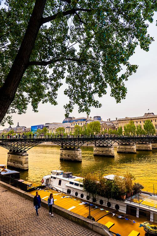 Pont des Arts (pedestrian bridge), Paris, France.