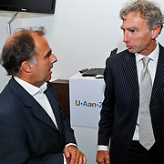 NLD/Den Haag/20100906 - Start Alfabetiseringsweek met installatie forum A tot Z, voorzitter Frits van Oostrom in gesprek met Paul Rosenmoller