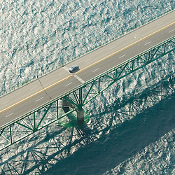 Aerial views of Mackinac Bridge 006.jpg