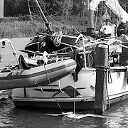 NLD/Muiden/19920722 - Bootontploffing in de haven van Muiden, 3 gewonden