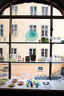 SWEDEN- STOKHOLM - 26/09/2006 : Ceramics designers gallery  Bias and Khada in Hornsgatan   trendy area in Sodermalm island  .///.gallerie ceramiques designers Blas and knada dans Hornsgatan   quartier branche sur  Sodermalm