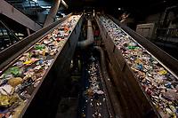 03 JAN 2012, BERLIN/GERMANY:<br /> Sortieranlage fuer Anfall / Wertstoffe aus der Gelben Tonne, Alba Recycling GmbH, Berlin-Mahlsdorf<br /> IMAGE: 20120103-01-013<br /> KEYWORDS: Wertstoffe, Recycling, Alba Group, Urban Mining, Gelber Sack, Gruener Punkt, Grüner Punkt, Duales System, Muell. Müll. Verwertung