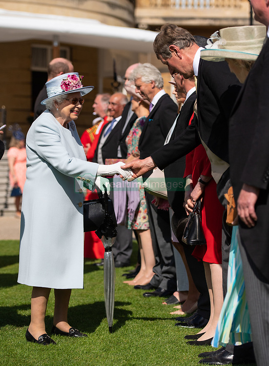 May 21, 2019 - London, London, United Kingdom - Image licensed to i-Images Picture Agency. 21/05/2019. London, United Kingdom. Queen Elizabeth II  attending a Royal Garden Party at Buckingham Palace in London. (Credit Image: © Pool/i-Images via ZUMA Press)