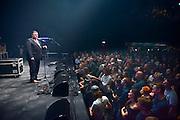 Nederland, Nijmegen, 1-10-2014De nieuwe poptempel van Nijmegen wordt vandaag officieel in gebruik genomen. Burgemeester Hubert Bruls houdt een praatje, en tweede generatie Doornroosje verhuist symbolisch in een fles de geest van de oude locatie naar de nieuwe. Met optredens van o.a. De Staat en Going back to the zoo. Doornroosje begon in 1970 als alternatief jongerencentrum en groeide uit tot een van de meest toonaangevende podia van Nederland voor popmuziek en vernieuwende moderne muziek. Het nieuwe complex is bekostigd doordat erboven door de SSHN studentenflats en studentenkamers gebouwd zijn.FOTO: FLIP FRANSSEN/ HOLLANDSE HOOGTE