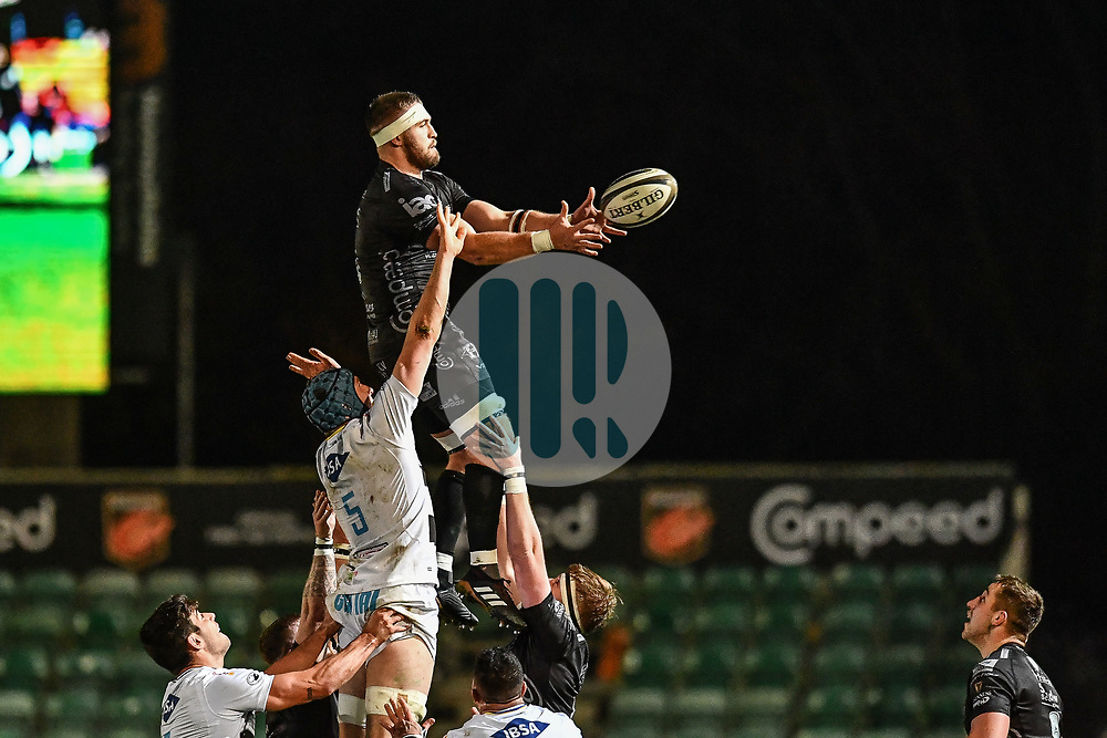 Harrison Keddie of Dragons claims the lineout<br /> <br /> Photographer Craig Thomas/Replay Images<br /> <br /> Guinness PRO14 Round 7 - Dragons v Zebre - Saturday 30th November 2019 - Rodney Parade - Newport<br /> <br /> World Copyright © Replay Images . All rights reserved. info@replayimages.co.uk - http://replayimages.co.uk