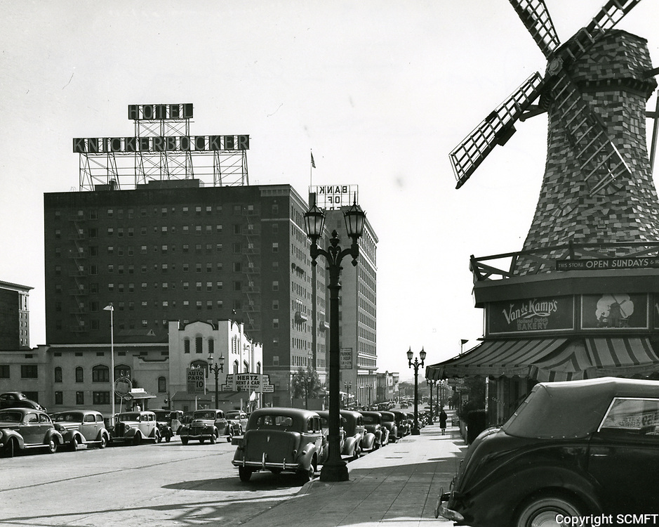 1938 Looking south down Ivar St. from Yucca Ave.