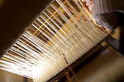 Pedra do Indaia_MG, Brasil...Detalhe do tear manual para fazer colchas que serao vendidas em Divinopolis...Detail of a loom where a woman sells her quilts in Divinopolis...Foto: LEO DRUMOND / NITRO