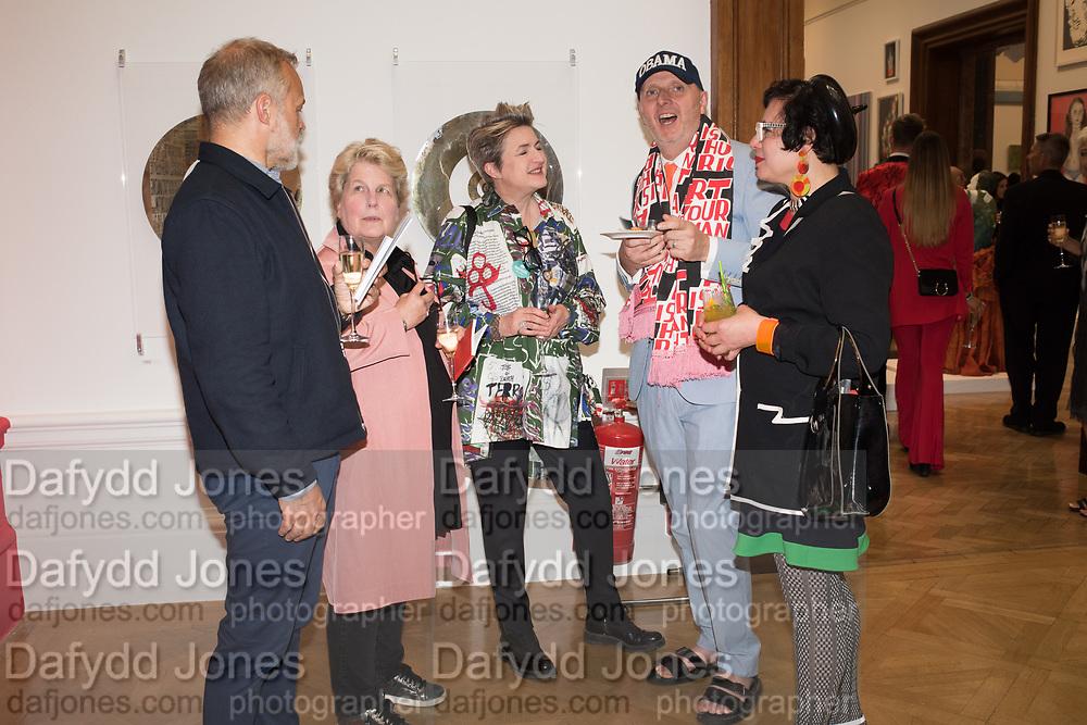 GRAHAM NORTON, SANDI TOKSVIG, DEBBIE TOKSVIG, BOB AND ROBERTA SMITH, ,JESSICA VOORSANGER Royal Academy of arts summer exhibition summer party. Piccadilly. London. 4 June 2019
