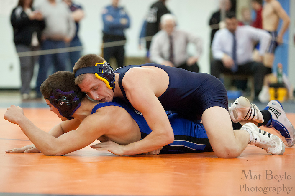 Tommy Mitchell of Lindenwold High School defeats Brandon Beebe of Hammonton High School in the District 30 Wrestling Semi-finals in the 170lb weight class at Overbrook High School on February 18, 2012. (photo / Mat Boyle)