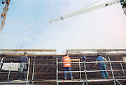 Nederland, Nijmegen, 10-11-2010Bouwvakkers bezig met ijzervlechten op een nieuwbouwproject van het UMC Radboud.Foto: Flip Franssen/Hollandse Hoogte