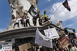 May 24, 2019 - Paris, Ile-de-France (region, France - In France, the Youth for Climate collective called for a march in Paris between the Place de l'Opera and the Place de la Republique, which brought together a thousand demonstrators. (Credit Image: © Jan Schmidt-Whitley/Le Pictorium Agency via ZUMA Press)