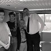 Langste man van Nederland Rob Bruintjes op bezoek bij Jack Spijkerman Steen en Beenshow Radio 3, met oa Jan Douwe Kroeske