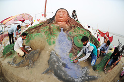 June 5, 2017 - Allahabad, Uttar Pradesh, India - Students of Allahabad University making sand Sculpture on the occasion of World Enviornment Day at Sanngam in Allahabad. (Credit Image: © Prabhat Kumar Verma via ZUMA Wire)