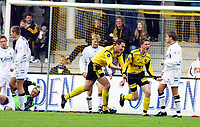 Football, Tippeligaen 29. april 2001. Lillestrøm - Sogndal 4-1. Espen Søgård (t.h) og Clayton Zane, Lillestrøm jubler over scoring.