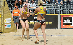 17-07-2014 NED: FIVB Grand Slam Beach Volleybal, Apeldoorn<br /> Poule fase groep G vrouwen - Laura Ludwig and Julia Sude from Germany