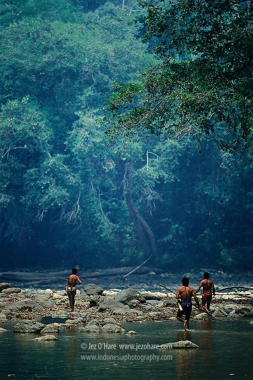Dayak hunters, Tabang region, East Kalimantan, Indonesia.