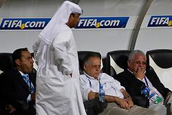 Fernando Carvalho, comissão técnica e equipe do S.C. Internacional durante reconhecimento do gramado no Mohammed Bin Zayed Stadium. O Internacional participa de 8 a 18 de dezembro do Mundial de Clubes da FIFA, em Abu Dhabi. FOTO: Jefferson Bernardes/Preview.com