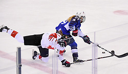 PYEONGCHANG, Feb. 22, 2018  Laura Stacey (L) of Canada vies for the puck during women's ice hockey final against the United States at Gangneung Hockey Centre, in Gangneung, South Korea, Feb. 22, 2018. The United States beat Canada in shootout to win the women's ice hockey gold medal at the Winter Olympic Games here on Thursday. (Credit Image: © Wang Haofei/Xinhua via ZUMA Wire)