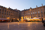 Place du Parlement restaurant terrace bordeaux france