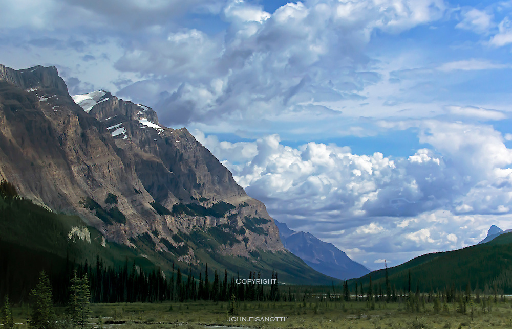 View from the Icefields Parkway in Japser National Park