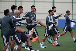 June 19, 2018 - EUM20180619DEP25.JPG.MOSCÚ, Rusia Soccer/Futbol-México.- La Selección Mexicana de futbol realiza su entrenamiento este martes 19 de junio de 2018 como parte de su preparación para el choque ante el combinado de Corea del Sur, duelo correspondiente a la actividad del Grupo F dentro del Mundial de Rusia 2018. Foto: Agencia EL UNIVERSAL/Luis Cortés/RCC. (Credit Image: © El Universal via ZUMA Wire)