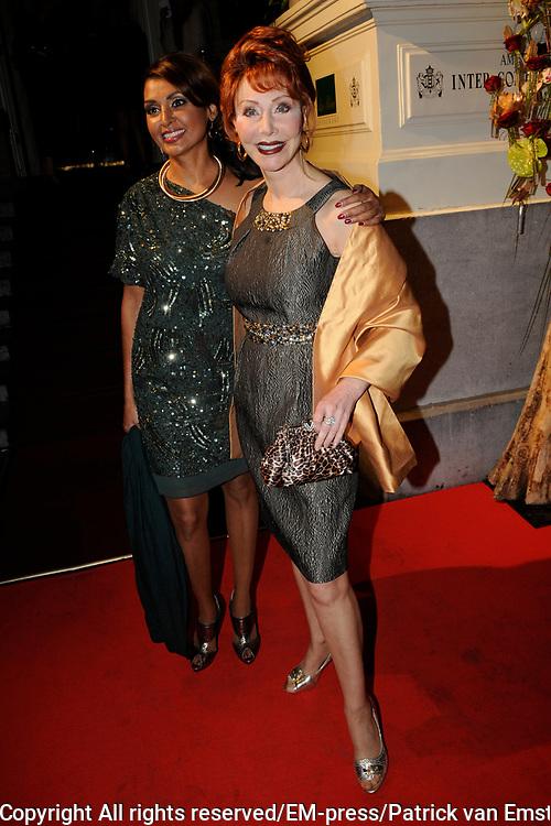 Uitreiking Beau Monde Awards in het Amstel Hotel, Amsterdam.<br /> <br /> Op de foto: Marijke Helwegen