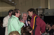 Julian Schnabel, Tony Shafrazi and David LaChapelle. Jeff Koons exhibition opening and dinner. Gagosian Gallery and Mr. Chow. Los Angeles. 22 March 2001. © Copyright Photograph by Dafydd Jones 66 Stockwell Park Rd. London SW9 0DA Tel 020 7733 0108 www.dafjones.com