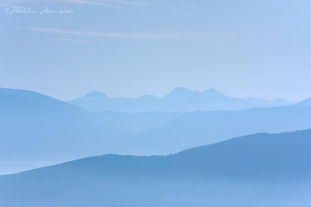 Misty Sunrise Carrauntuohil, County Kerry, highest peak Ireland / ba079