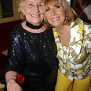 Radio 2 Gala vh Nederlandse Lied 2005, Ria Alberti en dochter Willeke Alberti.moeder