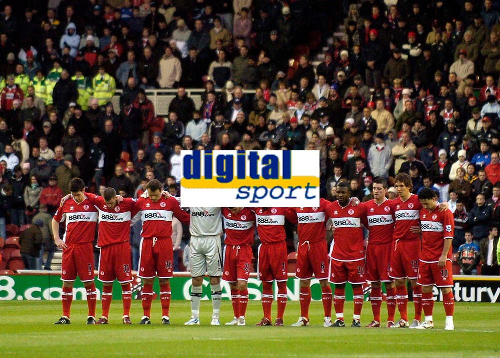 Photo: Jed Wee.<br /> Middlesbrough v West Bromwich Albion. The Barclays Premiership. 27/11/2005.<br /> <br /> Middlesbrough players observe a minute's silence in memory of George Best and the Middlesbrough fan who was killed in Holland.