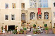 France, Languedoc Roussillon, Hérault, Montpellier, Place St.Roch, façade en  trompe l'oeil, artistes: 7eme sens