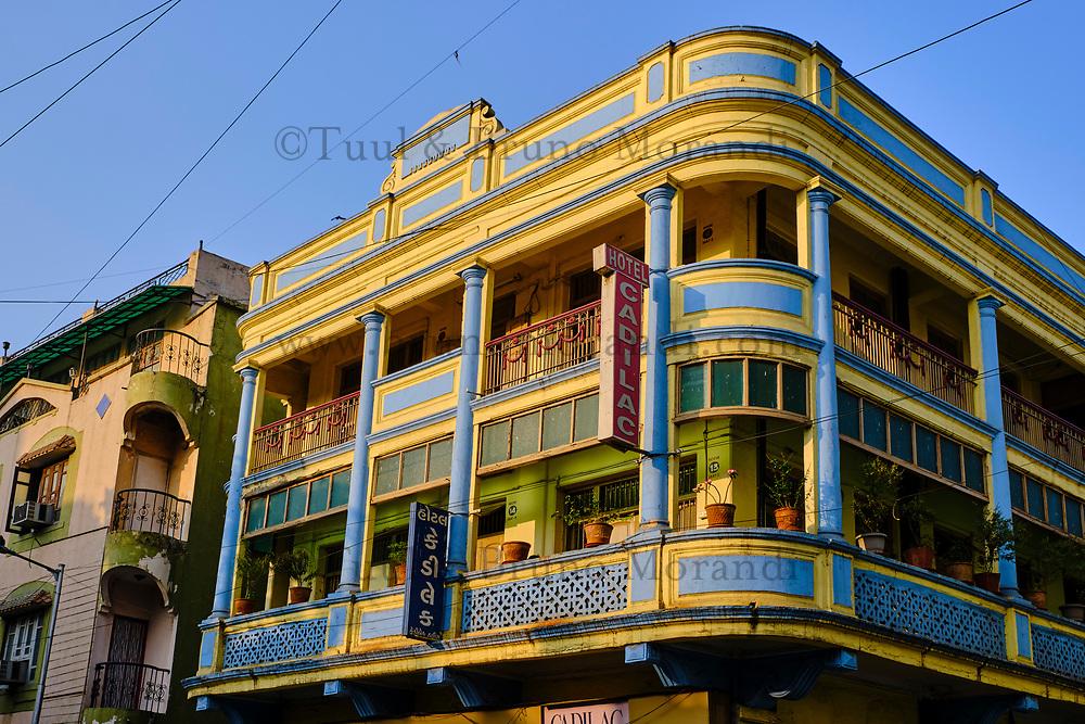 Inde, Etat de Gujarat, Ahmedabad, classé Patrimoine Mondial de l'UNESCO, vielle ville, hotel Cadillac, architecture art deco // India, Gujarat, Ahmedabad, Unesco World Heritage city, old city, Cadillac hotel, art-deco building