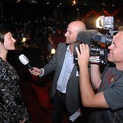 NLD/Aalsmeer/20070601 - Uitzending van de BNN grote  Donorschow, Eva Peeters, VTM Nieuws, word geinterviewd