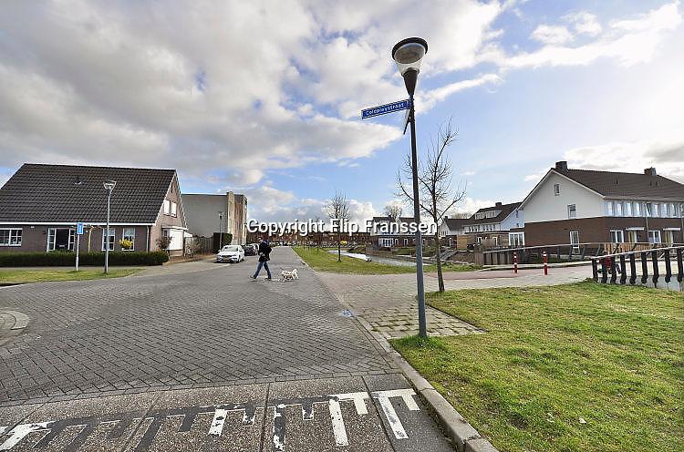 Nederland, Nijmegen, 24-2-2017Huizen en straten in de nieuwe wijk Laauwik, onderdeel van de stadsuitbreiding Waalsprong van Nijmegen in Lent. De straten in deze buurt hebben de naam van vooral Engelse pogroepen zoals The Beatles, The Kinks, Genesis, Pink Floyd, Coldplay, Oasis enz.  Er zijn hier veel verschillende woningtypen gebouwd, zowel voor sociale huur,koop en vrije sector. Dit zijn huurhuizen van de woningcorporatie .VinexwijkFoto: Flip Franssen