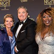 NLD/Amsterdam/20180927 - Opening Holland Casino Amsterdam West, Erwin van Lambaart met Berget Lewis en Mariska van Kolck