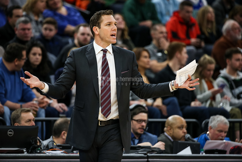 Feb 15, 2018; Minneapolis, MN, USA; Los Angeles Lakers head coach Luke Walton during a game between the Minnesota Timberwolves and Los Angeles Lakers at Target Center. Mandatory Credit: Brace Hemmelgarn-USA TODAY Sports