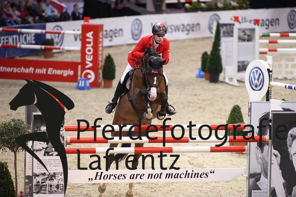 Sprehe, Jan (GER)<br /> , Quidam´s Queen<br /> Braunschweig - Löwen Classics 2016<br /> 2. Qualifikation Grosse Tour<br /> © www.sportfotos-lafrentz.de / Stefan Lafrentz
