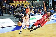 DESCRIZIONE : Desio Lega A 2013-14 EA7 Emporio Armani Milano Giorgio Tesi Pistoia<br /> GIOCATORE : Langford Keith<br /> CATEGORIA : Palleggio<br /> SQUADRA : Ea7 Emporio Armani Milano<br /> EVENTO : Campionato Lega A 2013-2014<br /> GARA : EA7 Emporio Armani Milano Giorgio Tesi Pistoia<br /> DATA : 04/11/2013<br /> SPORT : Pallacanestro <br /> AUTORE : Agenzia Ciamillo-Castoria/M.Mancini<br /> Galleria : Lega Basket A 2013-2014  <br /> Fotonotizia : Desio Lega A 2013-14 EA7 Emporio Armani Milano Giorgio Tesi Pistoia<br /> Predefinita :