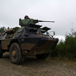 Stage d'entraînement des escadrons de gendarmerie mobile  organisé par la Cellule d'Instruction Afghanistan du GBGM au camp militaire de la Courtine.<br /> Dans le cadre de cette formation spécifique POMLT (Police Operational Mentor and Liaison Team) avant leur déploiement en OPEX les gendarmes s'entraînent à réaliser des patrouilles en VAB, reçoivent une formation avancée au secourisme au combat et apprennent les protocoles interalliés en vigueur sur le théâtre.<br /> Septembre 2010 / La Courtine (23) / FRANCE<br /> Voir le reportage complet (186 photos) http://sandrachenugodefroy.photoshelter.com/gallery/2010-09-Entrainement-des-POMLT-deployees-en-Afghanistan-Complet/G0000.jJAukAIS3o/C0000yuz5WpdBLSQ