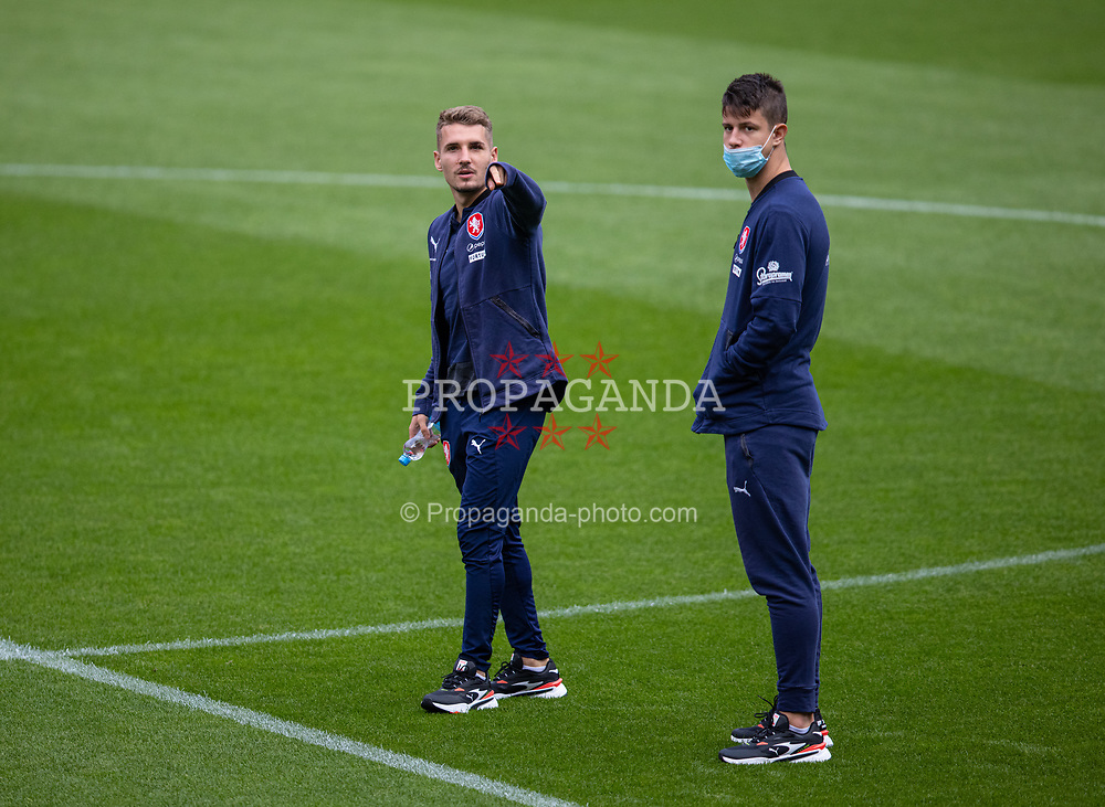 PRAGUE, CZECH REPUBLIC - Thursday, October 7, 2021: Czech Republic's Michal Sadílek (L) and Adam Hložek during a training session ahead of the FIFA World Cup Qatar 2022 Qualifying Group E match between Czech Republic and Wales at the Sinobo Stadium. (Pic by David Rawcliffe/Propaganda)