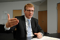 09 JAN 2007, BERLIN/GERMANY:<br /> Ronald Pofalla, CDU Generalsekretaer, waehrend einem Interview, in seinem Buero, CDU Bundesgeschaeftsstelle<br /> IMAGE: 20070109-01-028