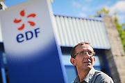 Portrait de Joel Fayard, cadre a EDF // Portrait of Joel Fayard of the company EDF. France