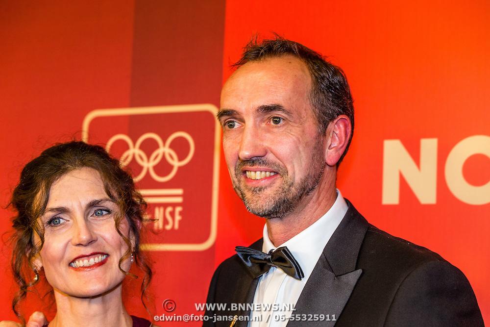 NLD/Amsterdam/20161221 - NOC*NSF Sportgala 2016, Peter Blange en partner