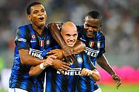 Wesley SNEIDER Inter esultanza dopo il gol <br /> Celebrates scoring with NWANKWO and OBINNA <br /> Bari 13/8/2010 Stadio San Nicola<br /> Trofeo Tim - Inter Juventus<br /> Foto Andrea Staccioli Insidefoto