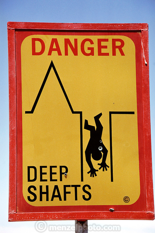 Warning sign near the opal mines.  Coober Pedy. South Australia.