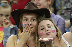 07.09.2014, Krakow Arena, Krakau, POL, FIVB WM, Italien vs USA, Gruppe D, im Bild DZIEWCZYNY KIBICE USA // during the FIVB Volleyball Men's World Championships Pool D Match beween Italy and USA at the Krakow Arena in Krakau, Poland on 2014/09/07. <br /> <br /> '***NETHERLANDS ONLY***