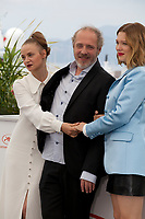 Sara Forestier, Arnaud Desplechin and Léa Seydoux at Oh Mercy! (Roubaix, Une Lumiere) film photo call at the 72nd Cannes Film Festival, Thursday 23rd May 2019, Cannes, France. Photo credit: Doreen Kennedy