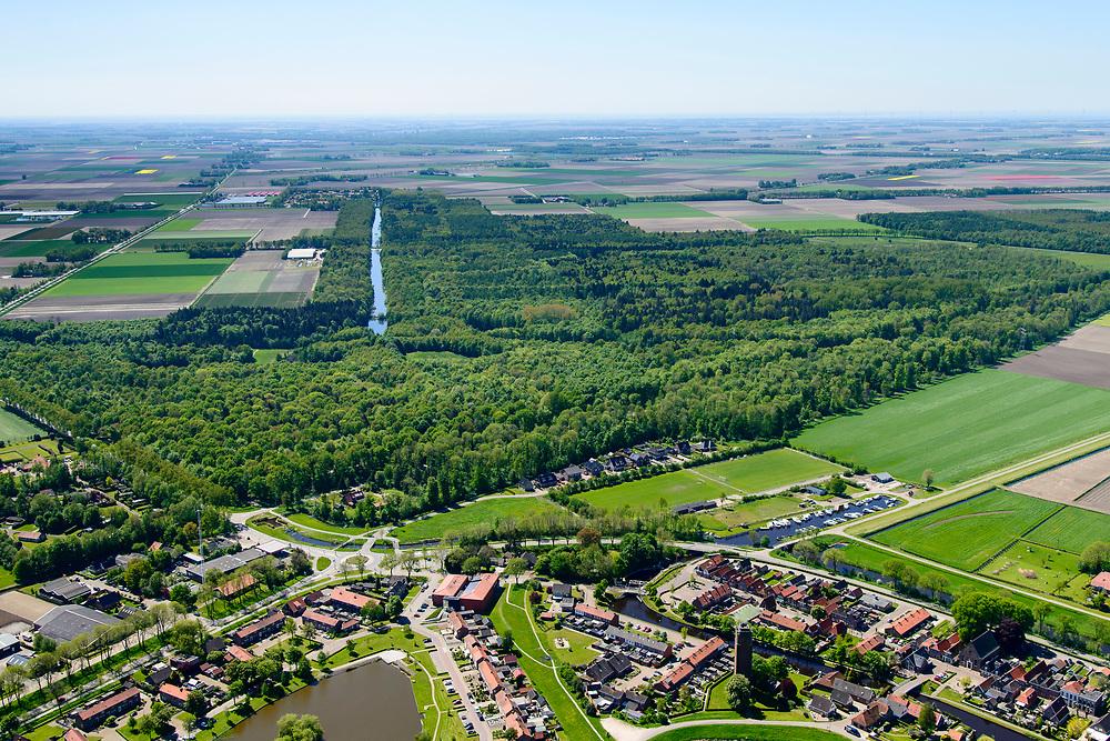 Nederland, Flevoland, Noordoostpolder, 07-05-2018; Kuinre en Kuinderbos.<br /> Aangeplant bos. <br /> Planted forest in new polder, North East Polder.<br /> <br /> luchtfoto (toeslag op standard tarieven);<br /> aerial photo (additional fee required);<br /> copyright foto/photo Siebe Swart